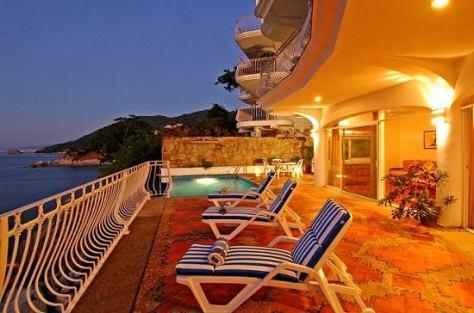 Pool Deck Casa Amie