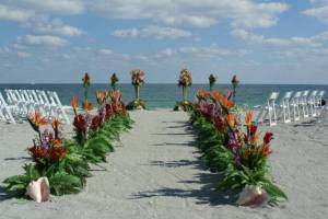 Tropical-Wedding-Decoration-Idea2